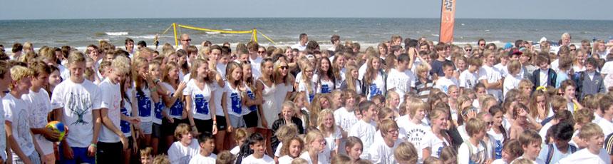 Grote groepen bij The Strand in Noordwijk
